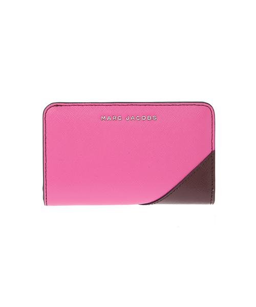 65f715e0298f MARC JACOBS(マークジェイコブス)の「SAFFIANO/ サフィアノ メタルレター コンパクト ウォレット(財布)」 - WEAR