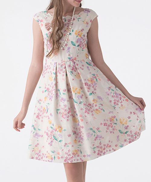 ccd0ffe475e12 Rose Tiara(ローズティアラ)の「スカラネックフラワー刺繍ワンピース(ドレス)」 - WEAR