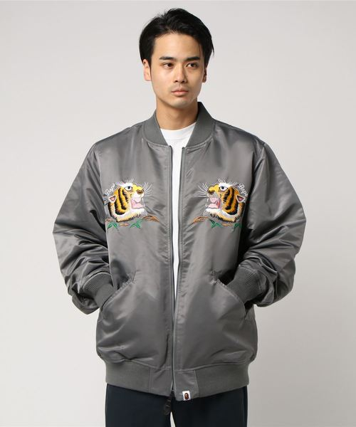 d5152aaef283 A BATHING APE(アベイシングエイプ)の「TIGER EMBROIDERY REVERSIBLE LIGHT BOMBER JACKET  M(ミリタリージャケット)」 - WEAR