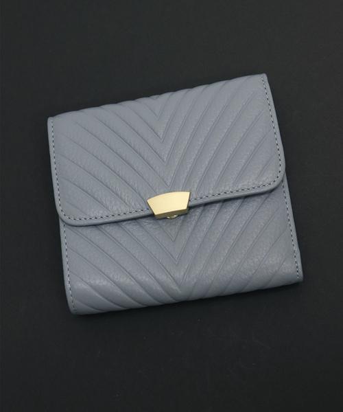 466b4557d1b5 florist(フローリスト)の「【牛革】V字型押し二つ折り財布(財布)」 - WEAR