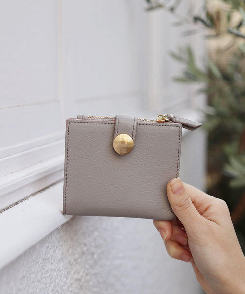 8c5848c558d4 florist(フローリスト)の「【牛革】BIGドットボタン二つ折り財布(財布)」 - WEAR