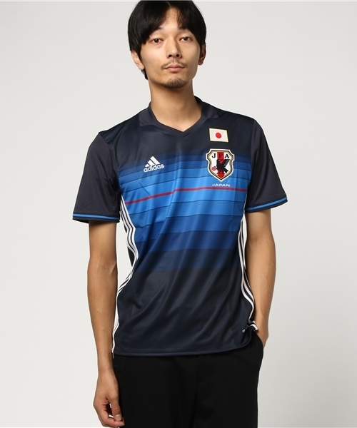 be9161a81c5b49 adidas(アディダス)の「2016 サッカー日本代表 ホーム レプリカユニフォーム 半袖(Tシャツ・カットソー)」 - WEAR