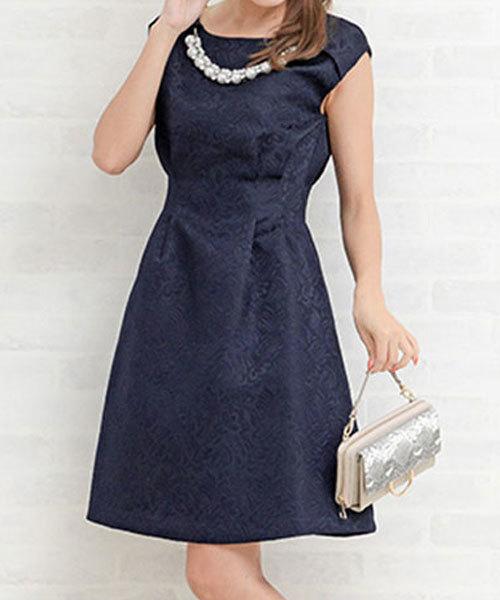 f188f7e7b1d31 RyuRyu(ジーラ)の「 セレモニー・パーティー・結婚式・二次会・謝恩会など ジャカード素材アクセ付ドレス(ドレス)」 - WEAR