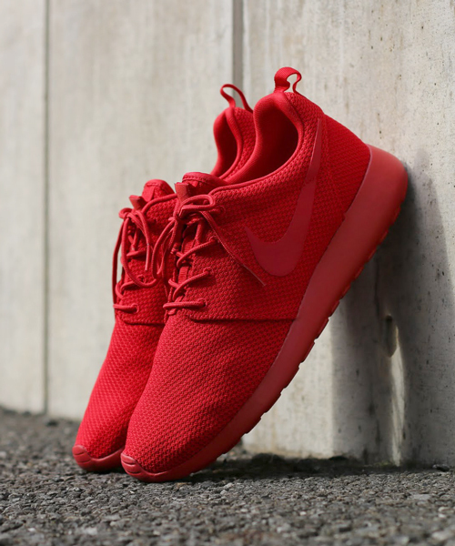 sports shoes 832a3 a02e7 NIKE(ナイキ)の「NIKE ROSHE ONE (VARSITY RED/VARSITY RED ...