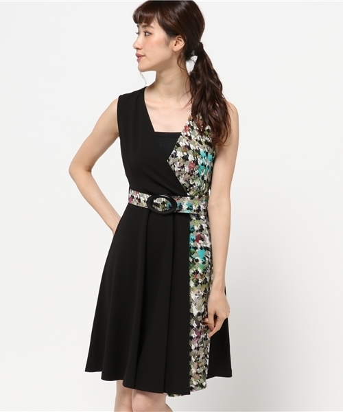 0b1e61b02c2b1 Narcissus(ナルシス)の「 TEDDY ペイント柄切替ベルトドレス(ドレス)」 - WEAR