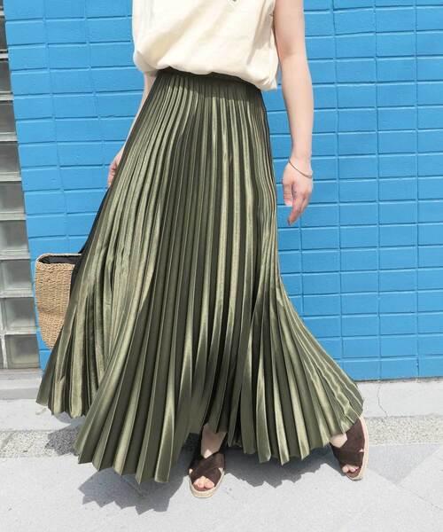 CORNERS(コーナーズ)の「サテンプリーツスカート(スカート)」|カーキ