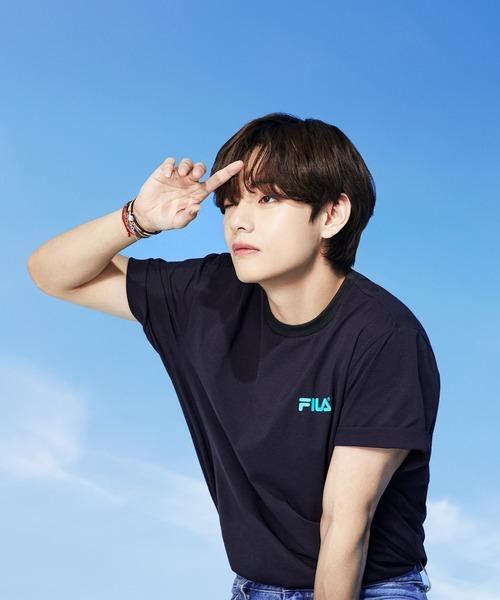 ∴【 FILA / フィラ  】 2021SS コレクション  BTS 着用モデル Tシャツ  防弾少年団 FS0136 DWB