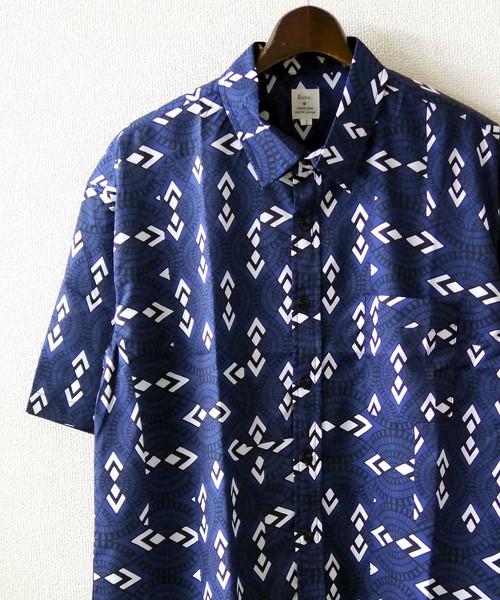 Revo. 幾何学パターン S/S シャツ