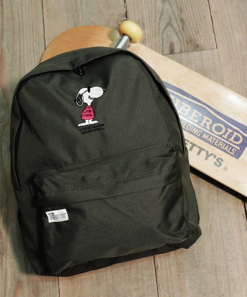 SNOOPY×OLD BETTY'S(スヌーピーカケルオールドベティーズ)の「SNOOPY Embroidery Backpack(JOE COOL)/スヌーピー 刺繍 バックパック リュック ジョークール(バックパック/リュック)」|オリーブ