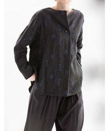nop de nod(ノップドゥノッド)のリネン刺繍 ノーカラーシャツ(シャツ/ブラウス)