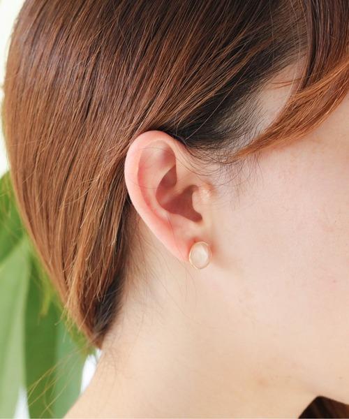Jewel closet by L&Co.(ジュエルクローゼットバイエルアンドコー)の「K18 ムーンストーン ピアス(ピアス(両耳用))」|イエローゴールド