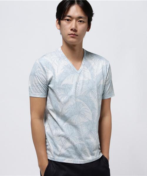 PLAG ボタニカル総柄プリントVネックTシャツ