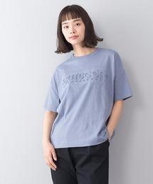 エンボスロゴTシャツ 同色プリント ブランドロゴブルー系その他