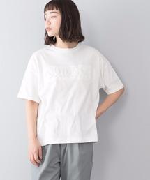 エンボスロゴTシャツ 同色プリント ブランドロゴホワイト