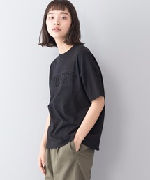 エンボスロゴTシャツ 同色プリント ブランドロゴブラック