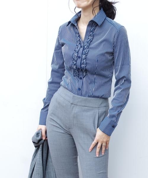 スーパーストレッチペンシルストライプ衿付きフリルシャツ