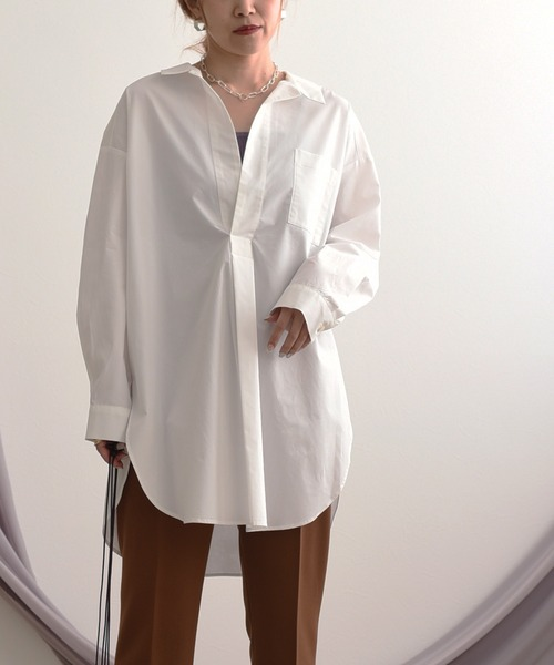LHELBIE(レルビエ)の「タイプライターVネック裾ラウンドシャツ(シャツ/ブラウス)」|オフホワイト