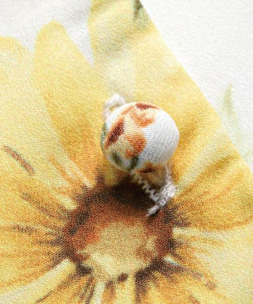 花柄ブラウス