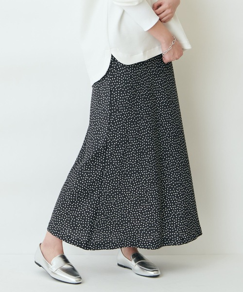 【THE CHIC】ハマーサテンドットスカート