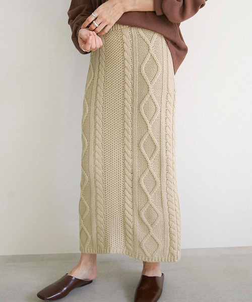 select MOCA(セレクトモカ)の「ミックスゲージニットスカート(バックスリット入りケーブルニットスカート)(スカート)」|ベージュ