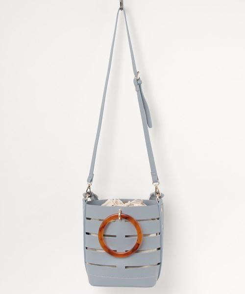 kakatoo(カカトゥ)の「【テレビ ドラマ着用アイテム】カカトゥ kakatoo / スクエアメッシュプラハンドルバケツ型バッグ(ショルダーバッグ)」|サックスブルー