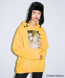 X-girl(エックスガール)のX-girl × Charles Peterson PHOTO SWEAT HOODIE(パーカー)