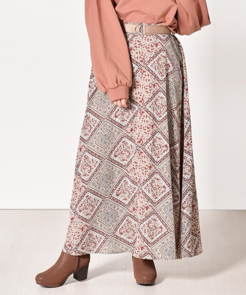 Dカン付アラベスク柄スカート