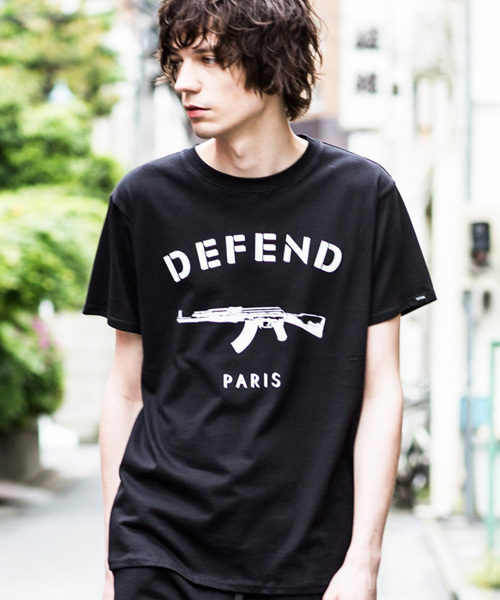DEFEND PARIS(ディフェンド パリス)の「PARIS TEE(Tシャツ/カットソー)」 ブラック