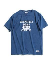 DISCUS(ディスカス)の【Denime×DISCUS ATHLETIC】インディゴカレッジプリントTシャツ(Tシャツ/カットソー)