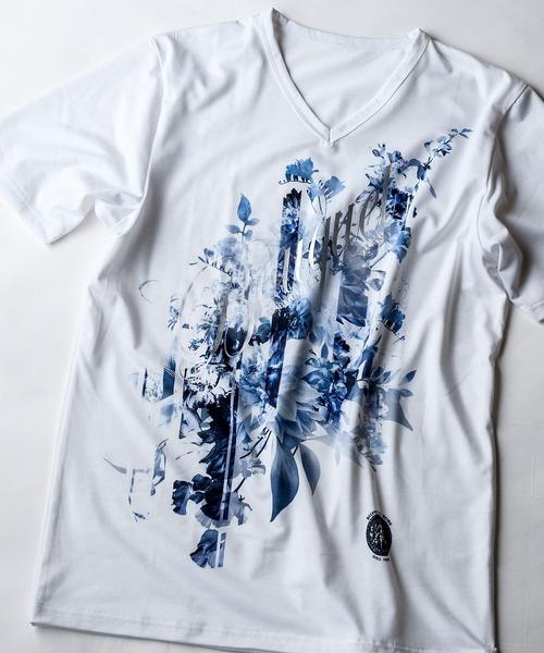 BUFFALO BOBS(バッファローボブズ)の「BOUQET(ブーケ)花柄プリント Vネック Tシャツ(Tシャツ/カットソー)」 ホワイト