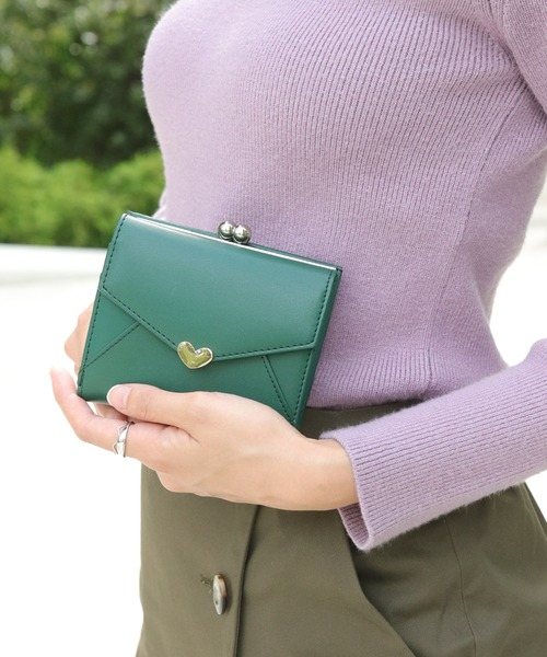 florist(フローリスト)の「【牛革】シンプルハートチャームミニウォレット(財布)」|グリーン