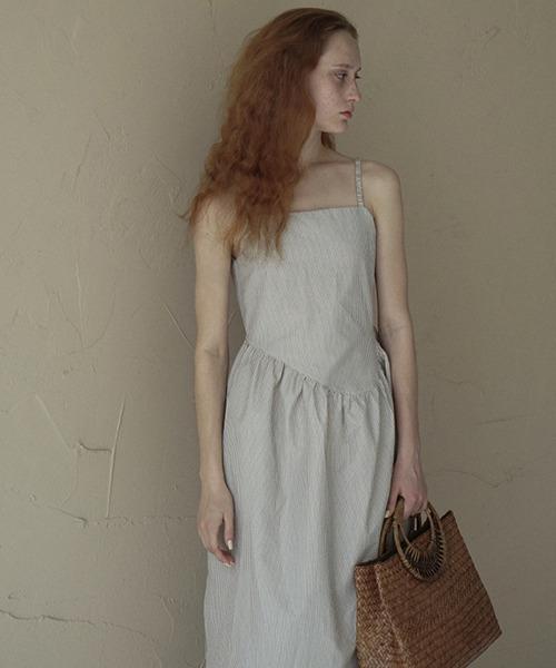 【Leonora Yang】Pinstripe embossment dress chw1549