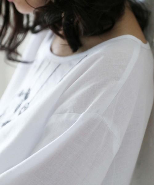 お花モビール刺繍の優しいトップス  花柄刺繍 半袖シャツ