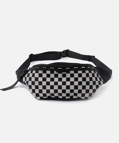 cdf68e3df2f1 AZUL BY MOUSSY(アズールバイマウジー)の「CHECKERED FLAG WAIST BAG / チェッカー