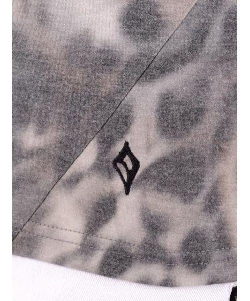 【REGIEVO】セクシーなヒョウ柄VネックTシャツ 7分袖