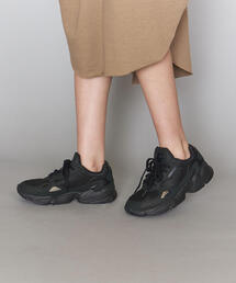 <adidas Originals(アディダス)>FALCON ファルコン スエードスニーカー