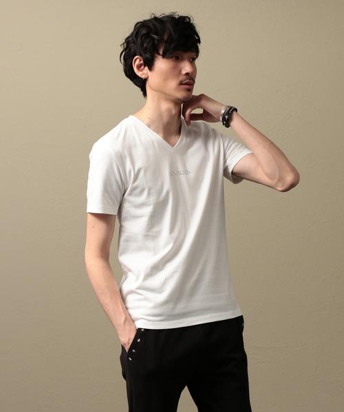 LOVELESS(ラブレス)の「【LOVELESS】MEN ポリクレストロゴVネックTシャツ(Tシャツ/カットソー)」 オフホワイト