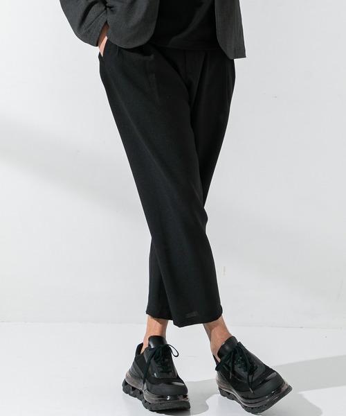 UNITED TOKYO(ユナイテッドトウキョウ)の「アンクルサイドシームレスサマースラックス/シェフパンツ(スラックス)」 ブラック