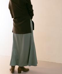 KBF(ケイビーエフ)のWEB限定 ストレッチサテンマーメイドスカート(スカート)