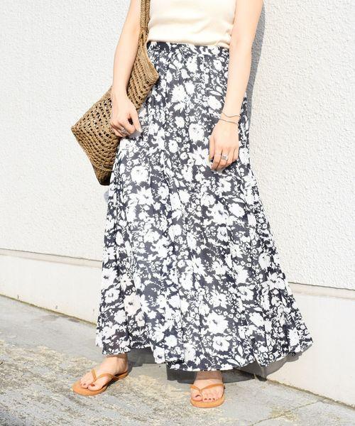 SHIPS(シップス)の「フラワープリントスカート(スカート)」|ネイビー