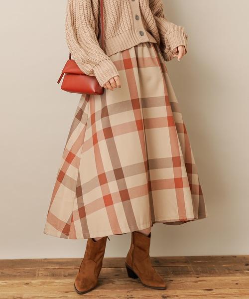 natural couture(ナチュラルクチュール)の「BIGチェックフレアスカート(スカート)」|ブラウン系その他