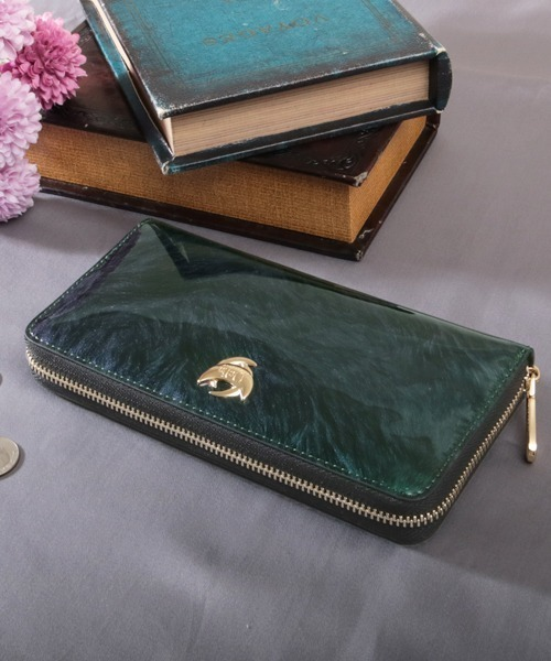26ddd96731a4 Clelia(クレリア)の「[Clelia/クレリア] エナメルラウンドファスナー長財布