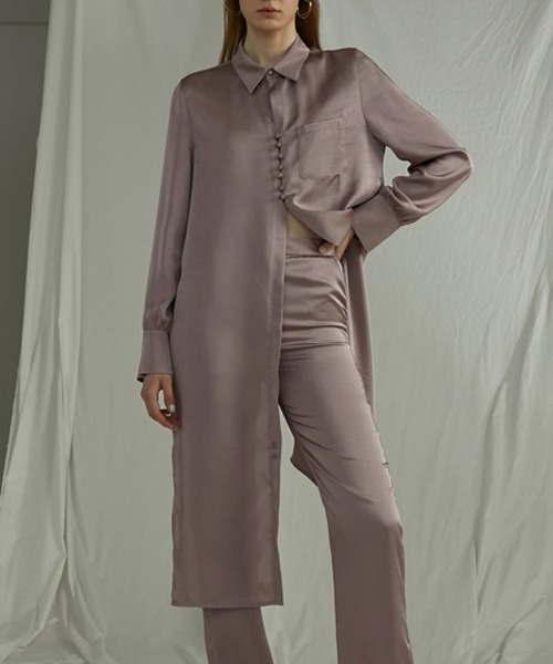 【UNSPOKEN】Satin like asymmetry long shirt UQ20S016