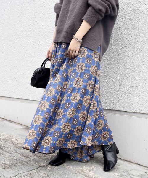 SHIPS(シップス)の「【別注】UHURU オリジナルプリントスカート◆(スカート)」|ブラウン