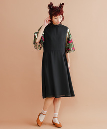 merlot plus(メルロープリュス)の花刺繍レースシアースリーブワンピース7124(ドレス)