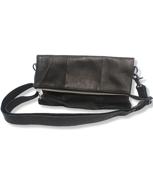 DECADE(ディケイド)の「デュアルスカウレザー・2wayクラッチショルダーバッグDECADE(No-00761) Duals Cow Leather 2Way Clutch Shoulder Bag(クラッチバッグ)」|ブラック