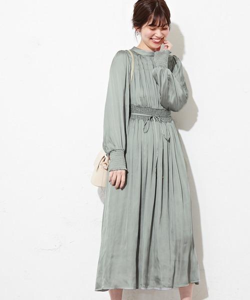 natural couture(ナチュラルクチュール)の「シャーリング使いおしゃれワンピース(ワンピース)」 サックスブルー