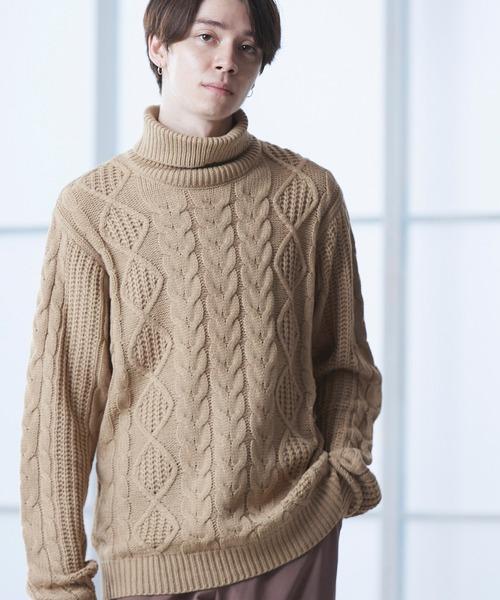オーバーサイズアラン編みタートルネックケーブルニットセーター
