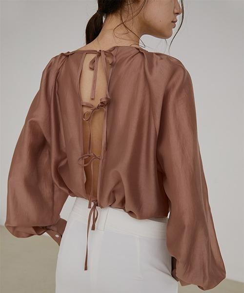 【UNSPOKEN】Back ribbon blouse UX20S005chw