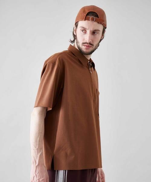 ハーフジップショートスリーブシャツ